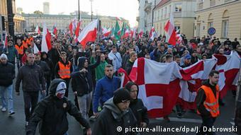 Demonstration der rechtsextremen Partei Nationale Bewegung in Warschau (Foto: picture-alliance/dpa/J. Dabrowski)