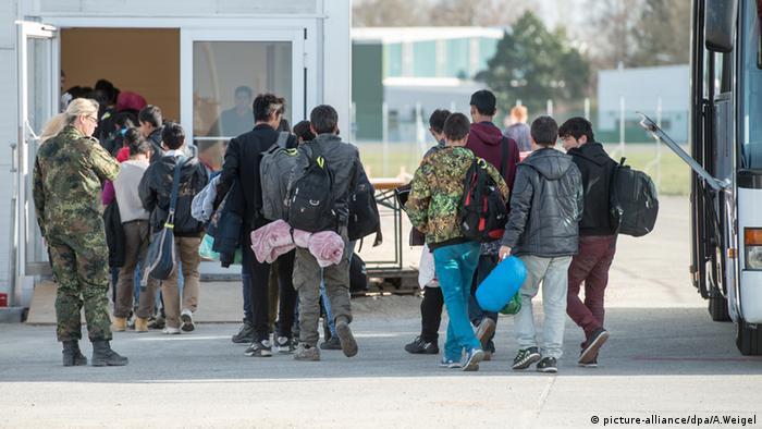 Bundeswehr Flüchtlinge Organisation Registrierung Erding Bayern