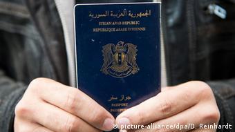 بسیاری از پناهجویان گذرنامههای جعلی دارند