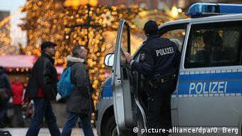 Αυξημένα τα μέτρα ασφαλείας στους δρόμους των Παρισίων