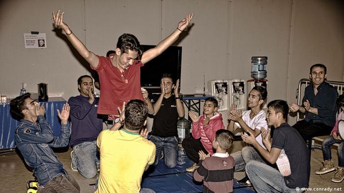 Troisdorf Weihnachtsfest in Flüchtlingsunterkunft