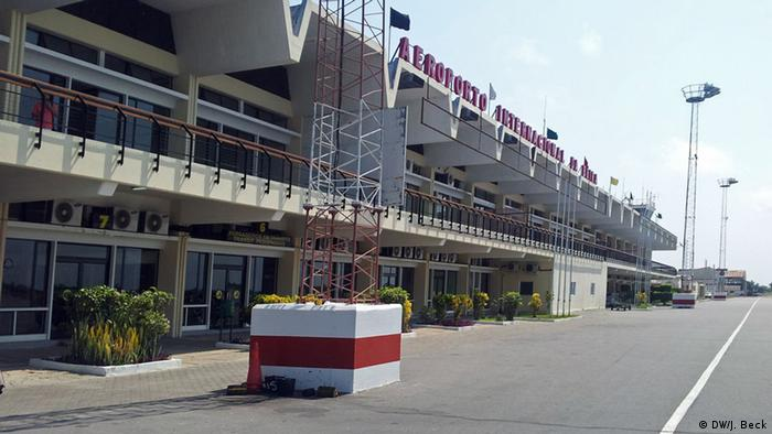 Aeroporto Beira Da Praia : Moçambique dirigente da renamo assassinado na beira