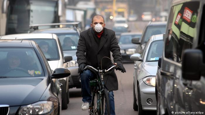 Одним з найбільших джерел забруднення повітря є автомобілі