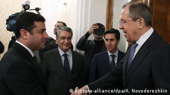 Selahattin Demirtas und Sergei Lavrov (picture-alliance/dpa/A. Novoderezhkin)