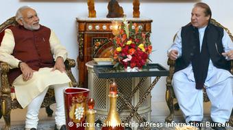 Pakistan Indischer Ministerpräsident Narendra Modi zu Besuch in Lahore (picture-alliance/dpa/Press Information Bureau)