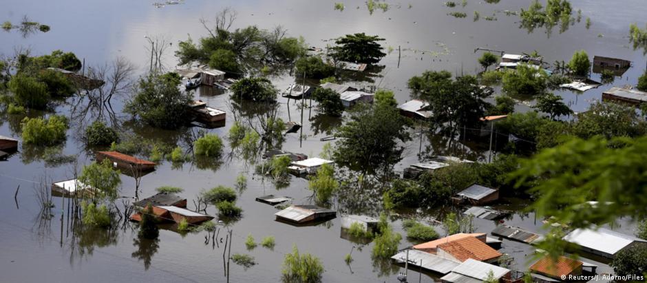Enchente em Assunção, no Paraguai: chuvas mais fortes são consequências do