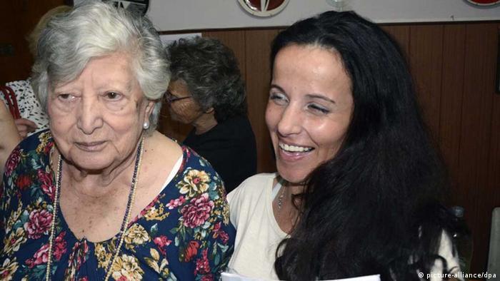 ماریا ماریانی و کلارا آناهی، نوهی جعلی او