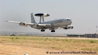 Αναγνωριστικό AWACS στην νατοϊκή βάση του Ικονίου