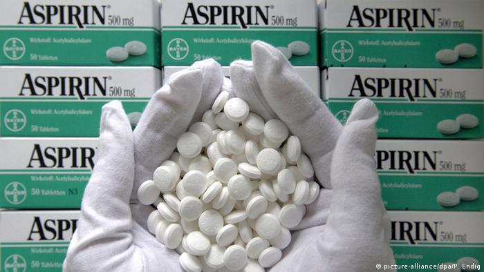 La industria farmacéutica alemana tiene una buena reputación en todo el mundo. Todavía se beneficia de los muchos descubrimientos de alemanes hace unos 100 años. Aunque muchas patentes ya han expirado, Alemania percibe por la venta de tabletas y medicamentos alrededor de 70.000 millones de euros.