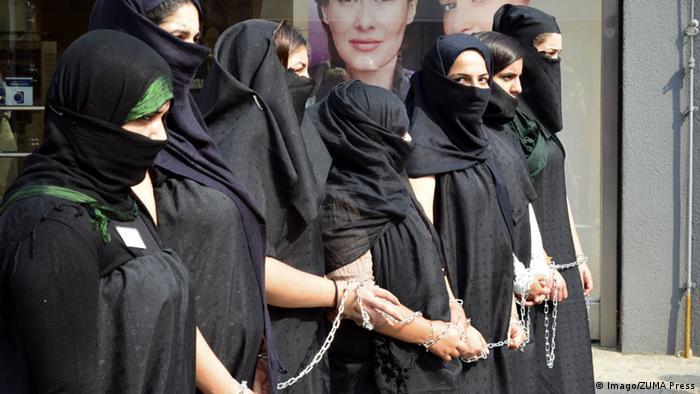 Celle Protest Jesidische Frauen Flüchtlinge Sklaven Islamischer Staat