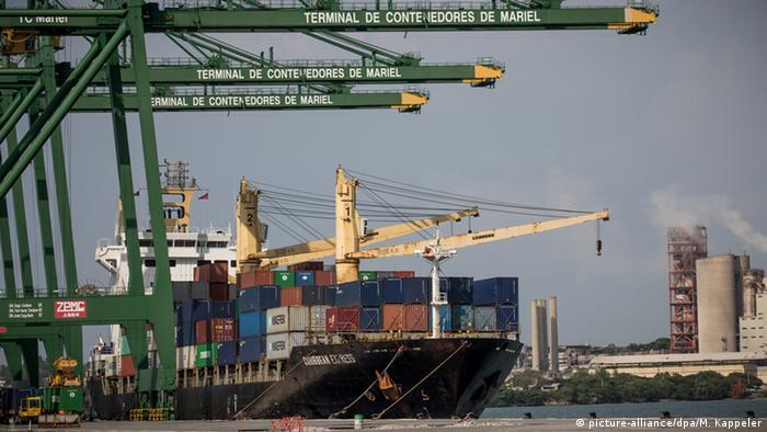 El carbón vegetal será el primer producto que Cuba exporte a Estados Unidos en más de medio siglo, gracias a acuerdo firmado entre la empresa estatal Cuba Export y la estadounidense Coabana Trading LLC. 05.01.2017