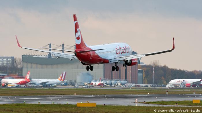 Власти Германии отвели 3 месяца на решение вопроса о продаже Air Berlin