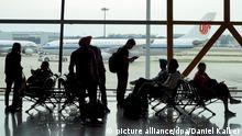China: Innenansicht Terminal 3 des Pekinger Flughafens (PEK). Foto vom 30. August 2015. picture alliance/dpa/Daniel Kalker