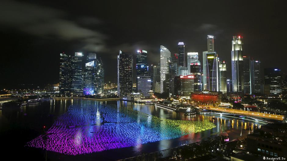 """""""中国2030研究""""场景之四:新加坡模式"""