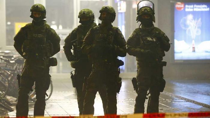 Terrorwarnung In München Polizei Räumt Bahnhöfe Aktuell