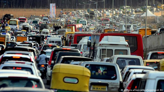 Indien Bangalore Verkehr (picture-alliance/dpa/Jagadeesh NV)