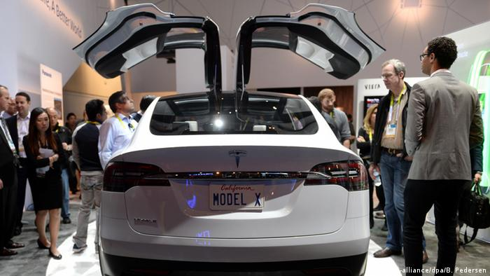 USA CES 2015 Tesla Model X