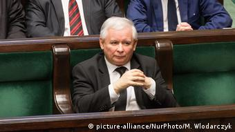 Ο πρόεδρος του κυβερνώντος κόμματος PiS Γιάροσλαβ Κατσίνσκι κλιμακώνει την αντιπαράθεση με τον Ντόναλντ Τουσκ