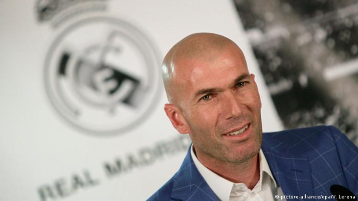 ريال مدريد يقيل بينيتيز ويعين الأسطورة زيدان مكانه