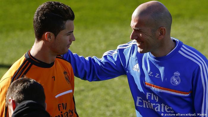 Spanien Zinedine Zidane in Madrid (picture-alliance/dpa/J. Martin)