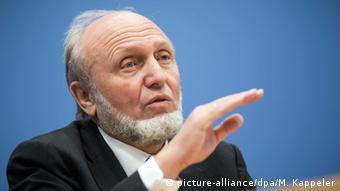 Ο Χανς-Βέρνερ Ζιν επιμένει ότι η Ελλάδα δεν έχει μέλλον στο ευρώ