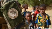 Mali Gao Operation Barkhane Kinder und französische Soldaten