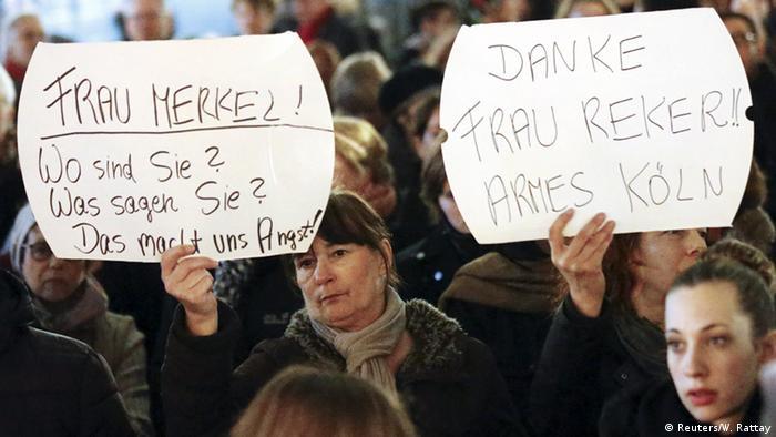 Кадър от протест след изстъпленията в Кьолн