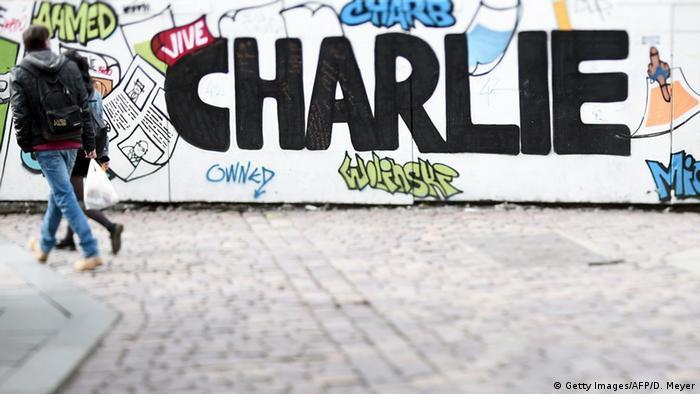 На улицах Парижа. Год спустя после теракта в редакции Charlie Hebdo