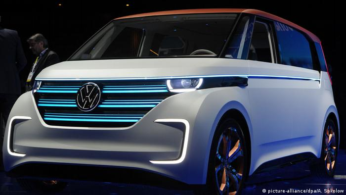 Vw Presents Budd E And E Golf Electric Cars Business Dw