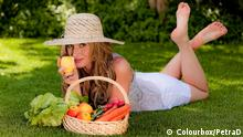 Symbolbild Frau mit Obst