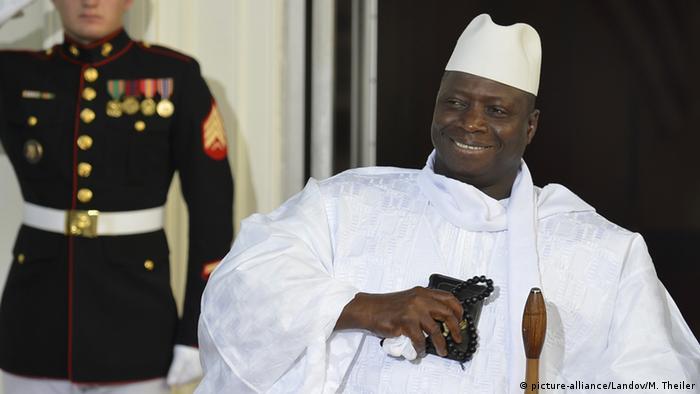 Gambia Präsident Yahya Jammeh (picture-alliance/Landov/M. Theiler)