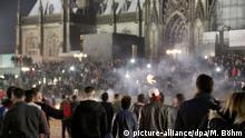 Deutschland Silvesternacht vor dem Hauptbahnhof in Köln