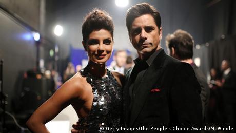 USA People's Choice Awards 2016 - Priyanka Chopra & John Stamos