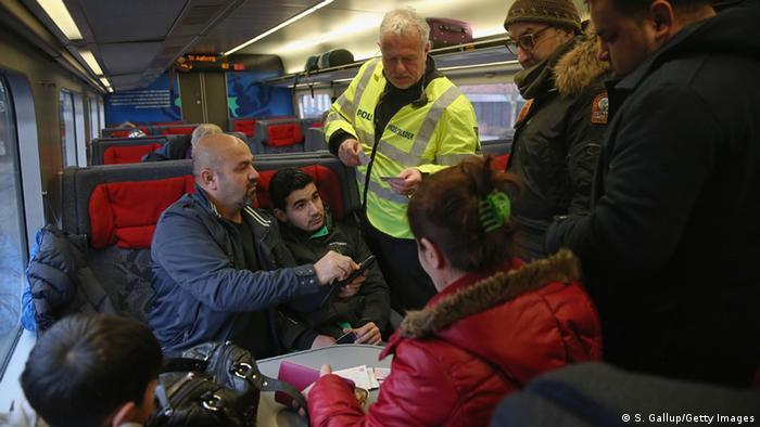 Паспортный контроль в поезде на границе ФРГ с Данией