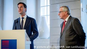 Niederlande EU Ratspräsidentschaft Mark Rutte mit Jean-Claude Juncker