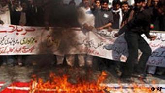 Pakistan Demonstration Verbrennung Flagge Dänemark Israel