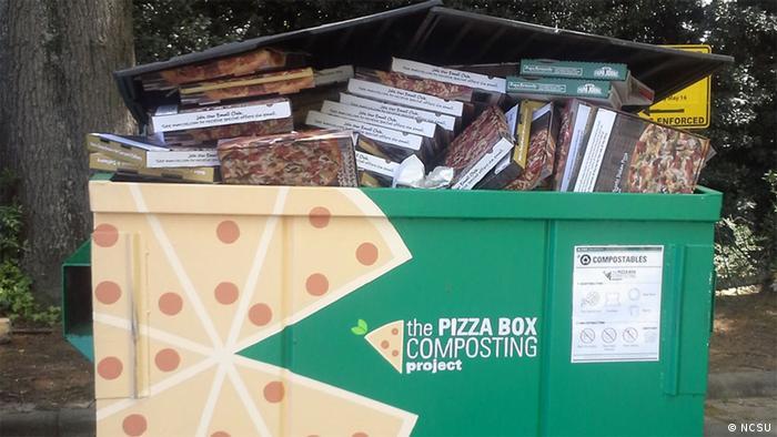 USA, Müllcontainer auf dem Campus der North Carolina State University