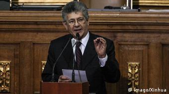 El presidente de la Asamblea Nacional, Henry Ramos Allup, miembro del partido Acción Democrática.