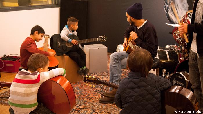 Music course for refugee kids at Parkhaus Studio in Cologne, Copyright: Parkhaus Studio