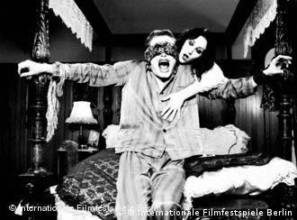 Max Urlacher e Emilia Sparagna, em filme de Franka Potente