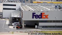 Das Frachtzentrum des US-Paketdienstes FedEx, aufgenommen am 26.06.2015 am Köln Bonn Airport Foto: Horst Galuschka