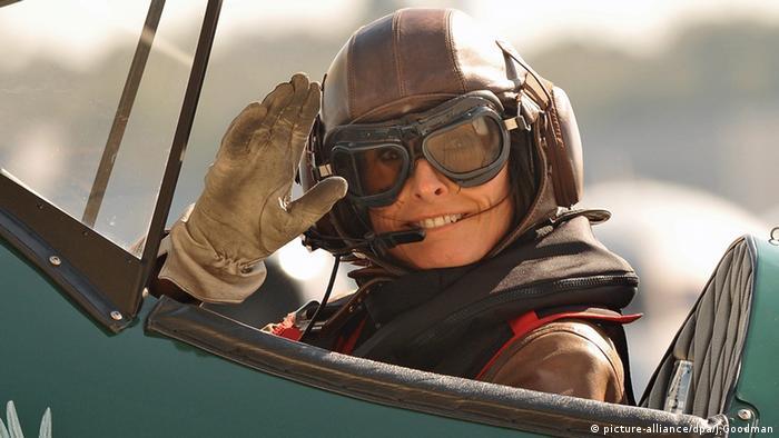 Female pilot completes epic solo flight