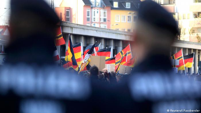 Köln Pegida rechte Demonstranten