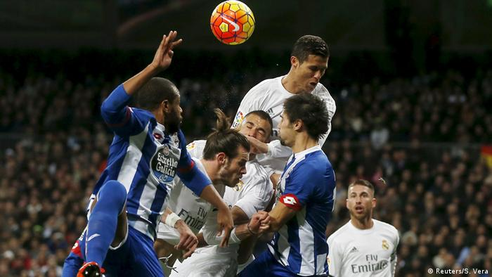 Spanien Real Madrid vs Deportivo Coruna (Reuters/S. Vera)
