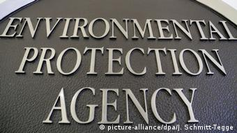 Environmental Protection Agency sign (picture-alliance/dpa/J. Schmitt-Tegge)
