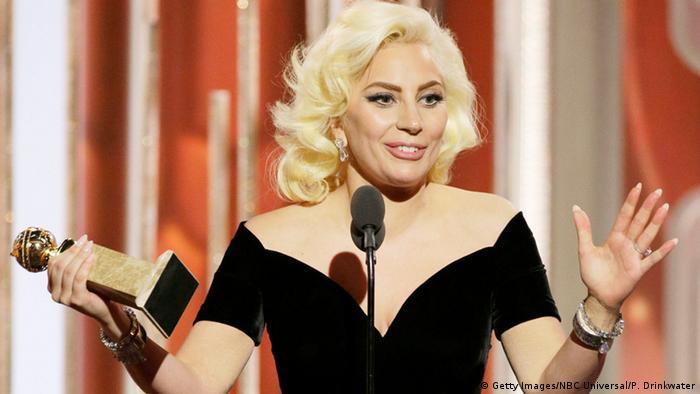Співачка Леді Ґаґа під час церемонії вручення Золотого глобуса