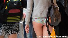 München Aktion No Pants Subway Ride