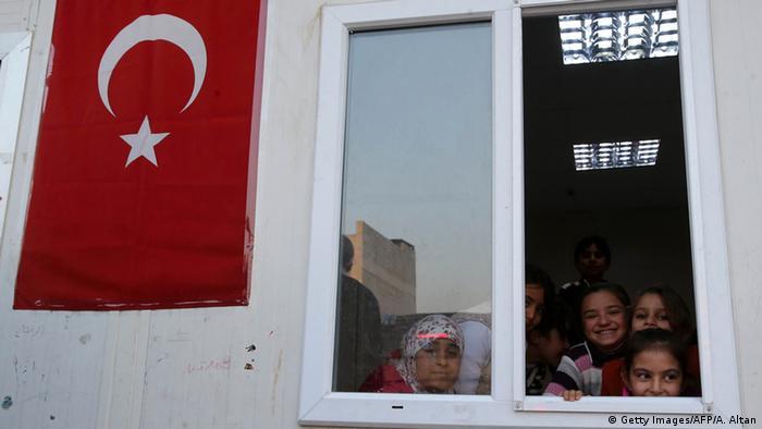 Refugiados em um acampamento na Turquia