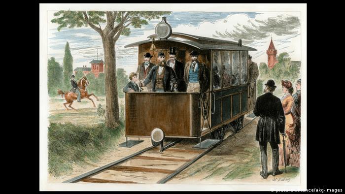 Первый электрический трамвай в Германии. Изобретен Сименсом. Берлин, 1881 год