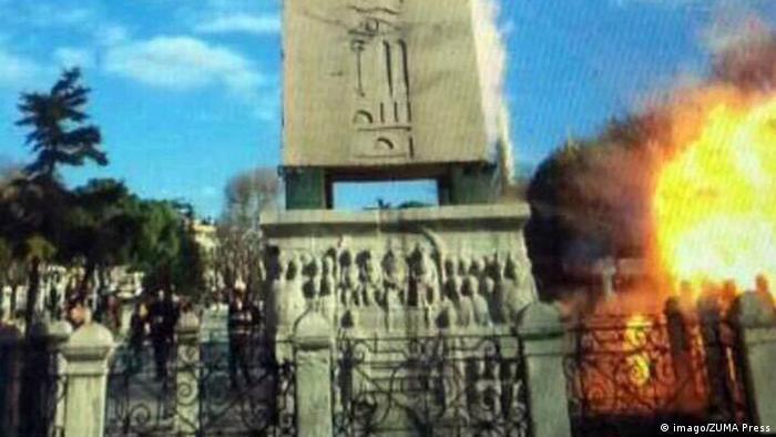 یک گردشگر لحظه انفجار انتحاری در استانبول را در این تصویر ضبط کرده است